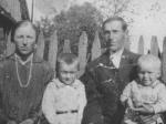 Jan i Helana Zakrzewscy z dziećmi